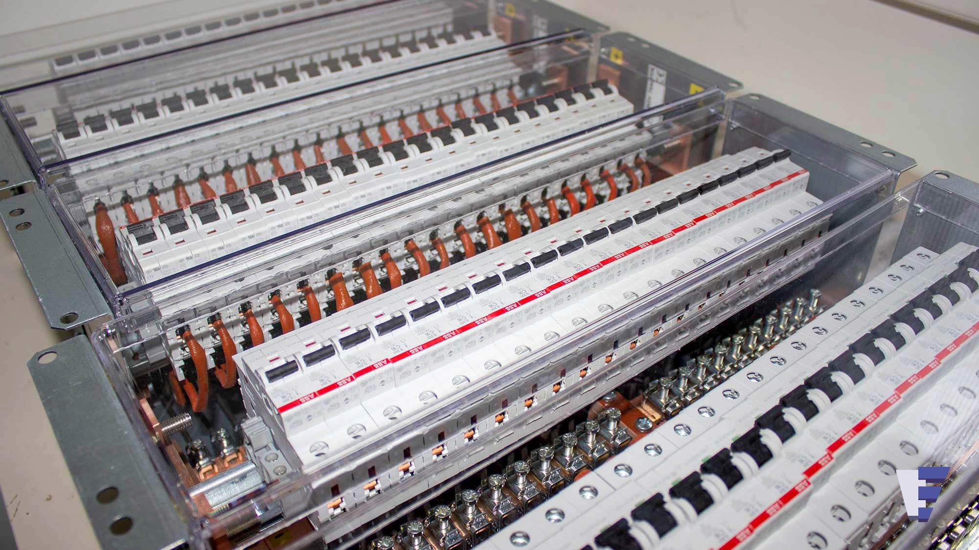 Velčić Ltd - DC distribution unit - automatic breaker